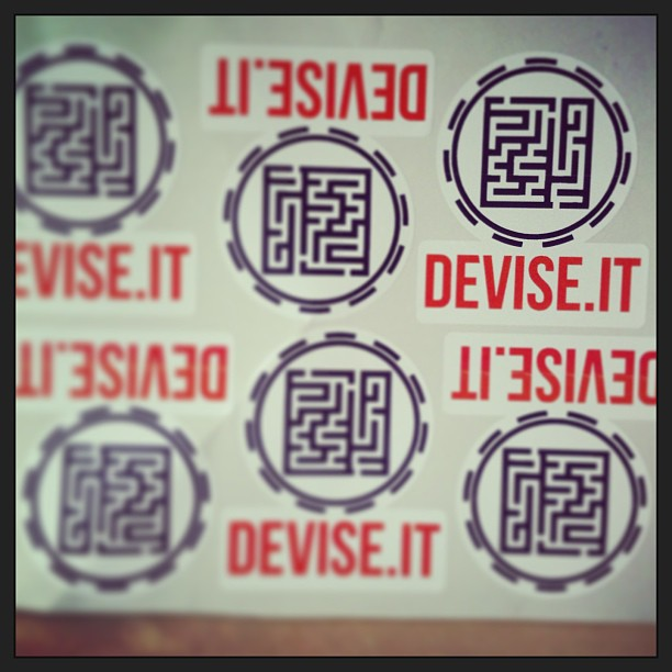 Un logo http://www.devise.it/