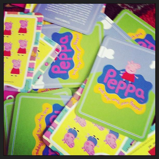 Qui si fanno castelli di carte con Peppa Pig
