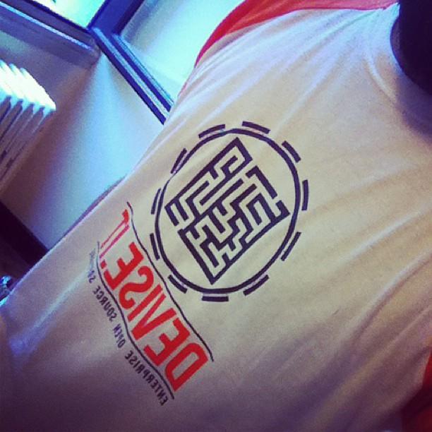 Conferenze rappresentanza e tshirt sudate#oss4b2013