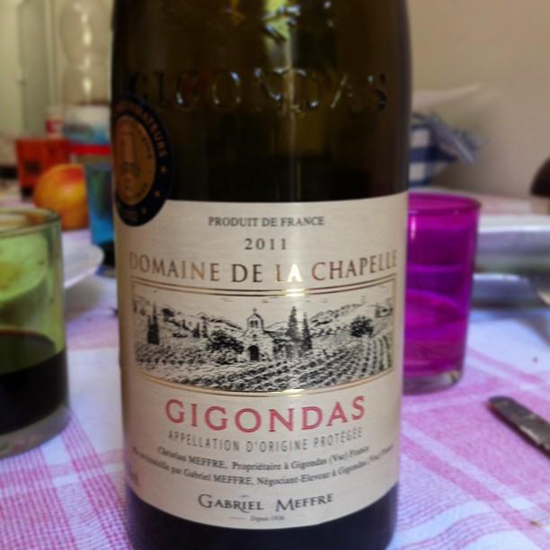 Con lo spezzatino il Gigondas ci stava proprio ma proprio bene.