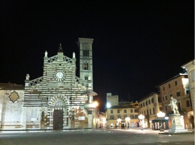 Piazza del Duomo di notte, Prato